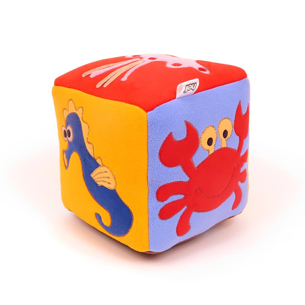 Česká ručně šitá hračka – Hrací kostka