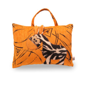 Česká ručně šitá hračka – Polštářek taška s motivem zebry